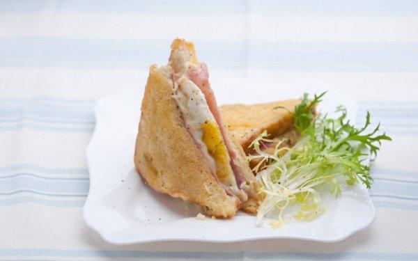Сэндвич Крок-мадам и крок-месье