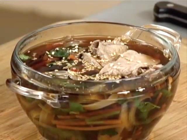 Тайский суп с говядиной