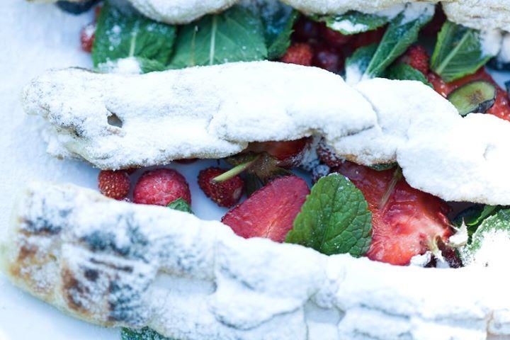 Тесто-гриль с ягодами