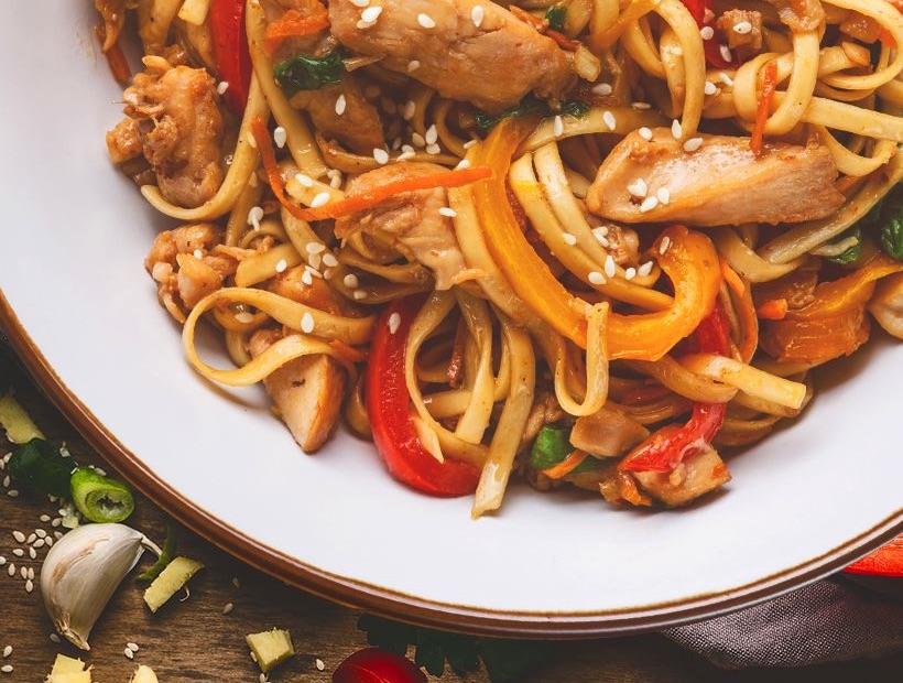 Лапша Вок с курицей и овощами
