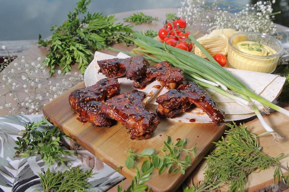 Куриные крылышки по-корейски в пикантной глазури