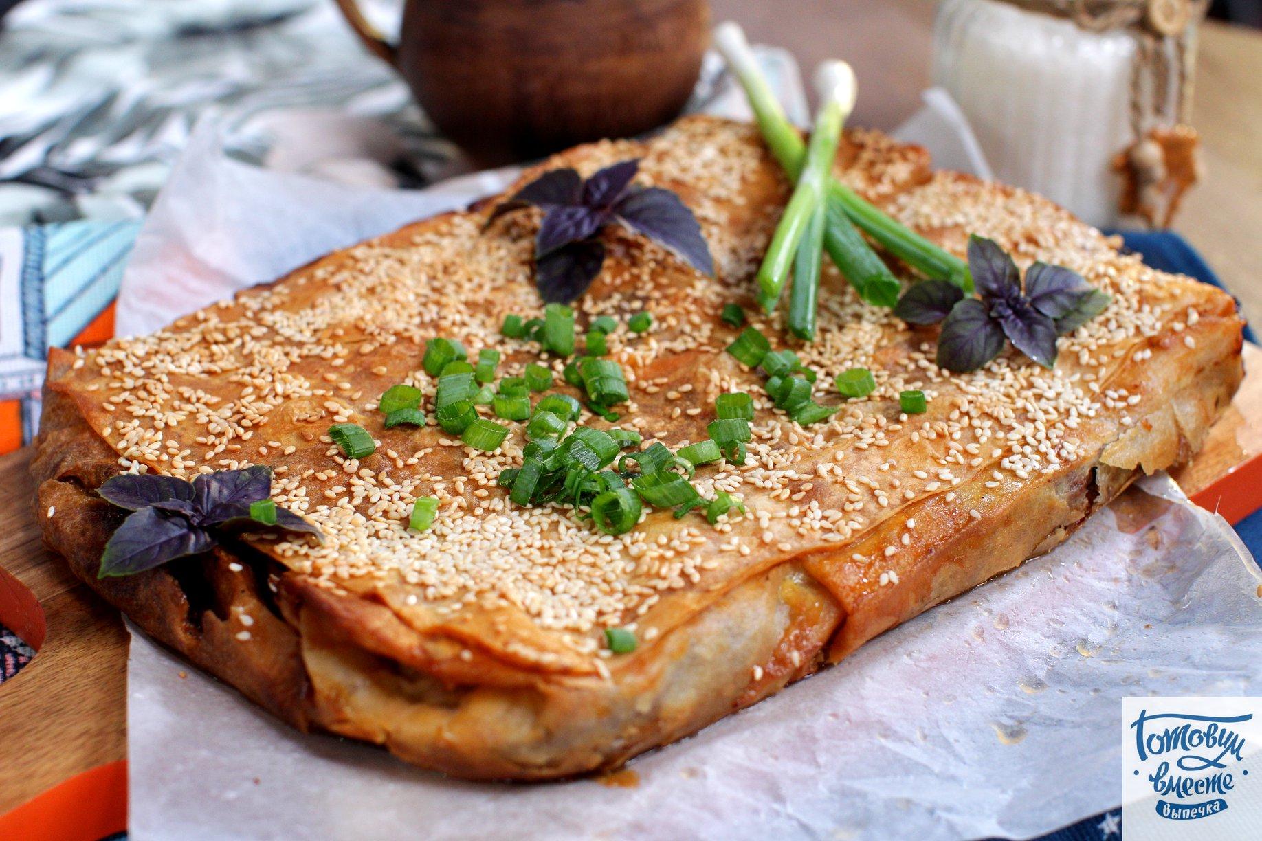 Мясной пирог из лаваша с сыром