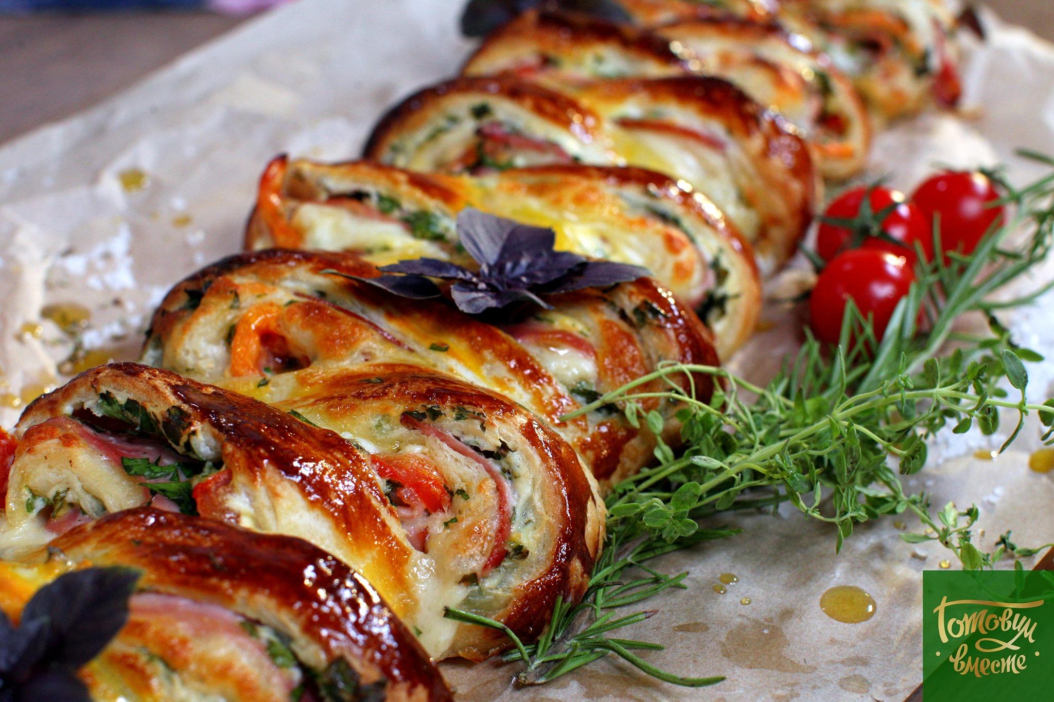 Быстрая горячая закуска с сыром и ветчиной