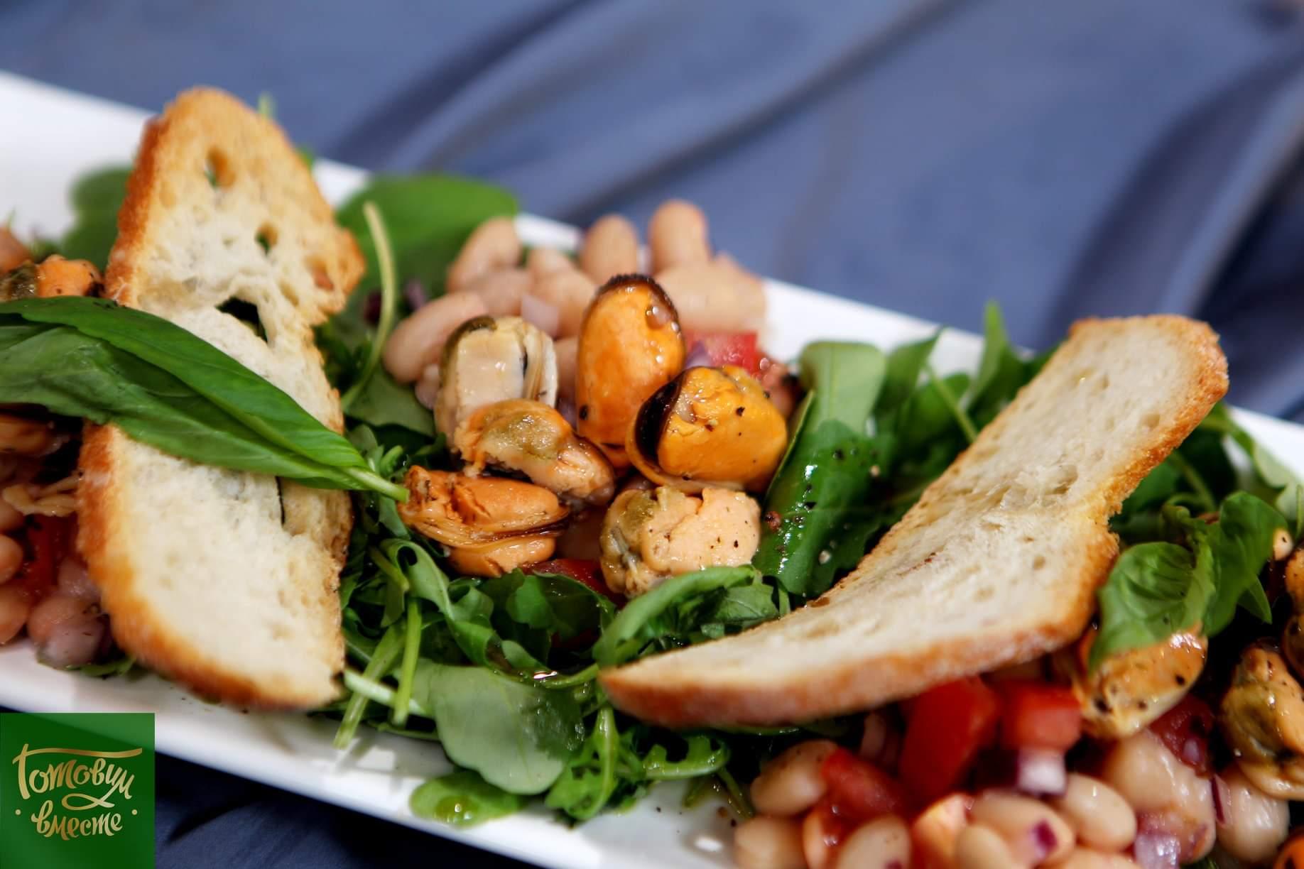 Ливорнийский салат с мидиями