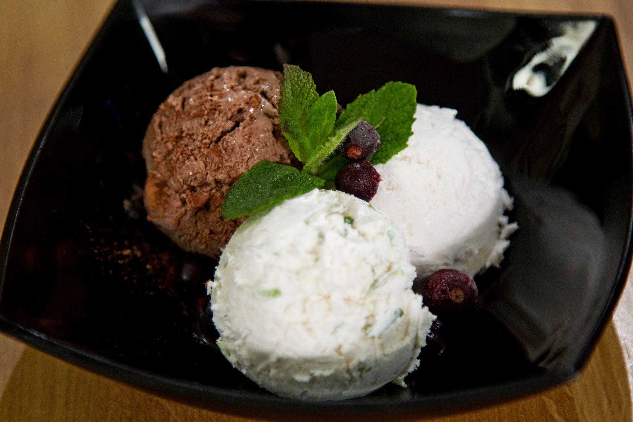Сливочное мороженое (3 вида)