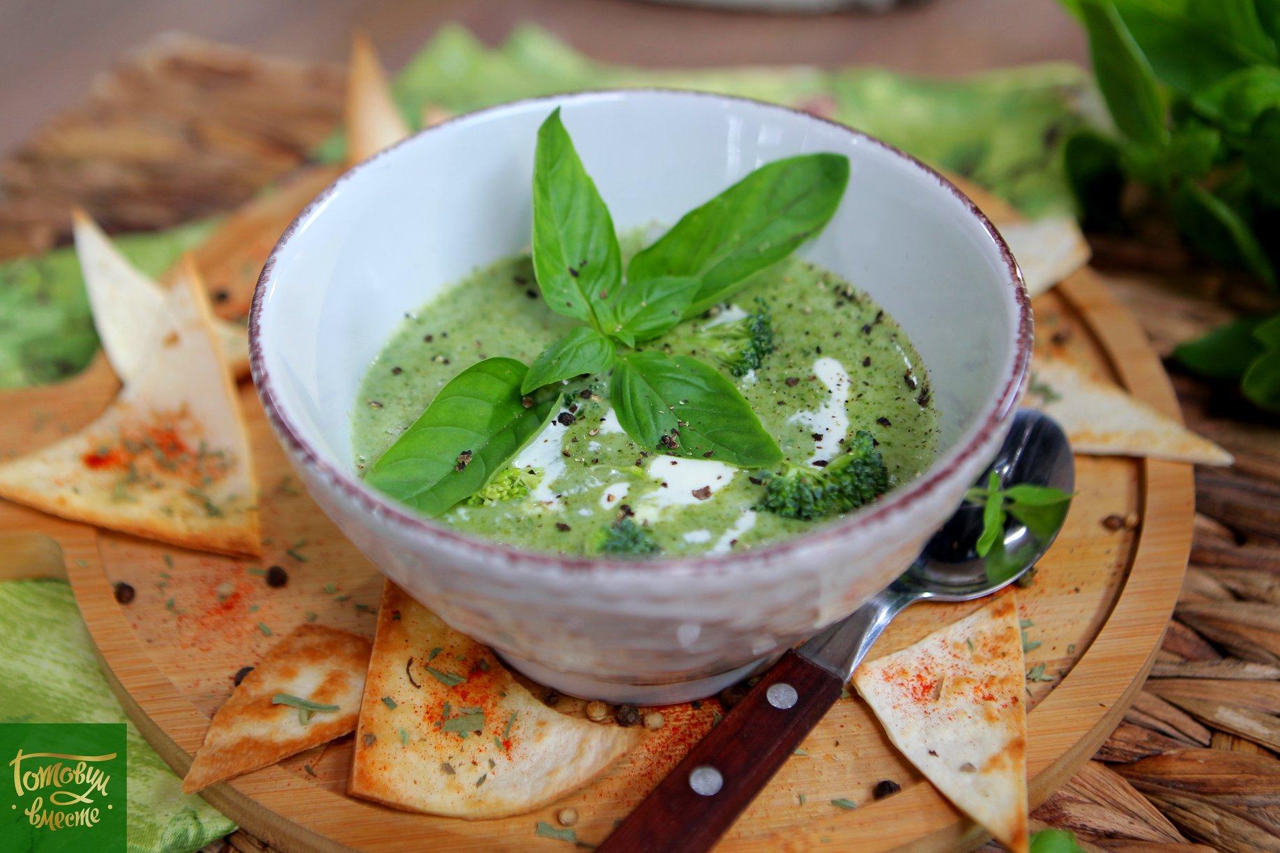 Крем-суп из брокколи и шпината
