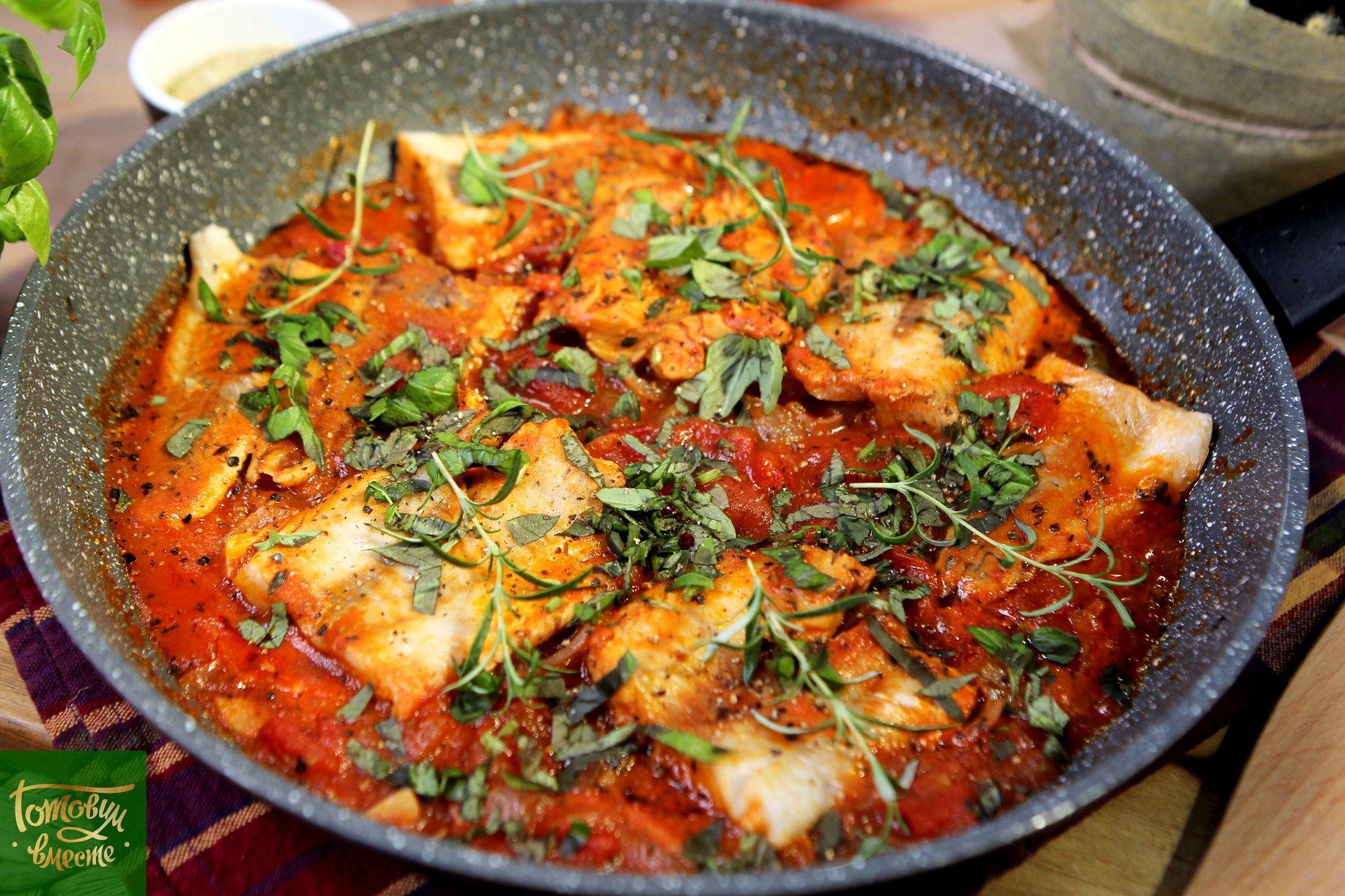 Филе рыбы в томатном соусе