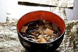 Мисо суп с лососем и тофу