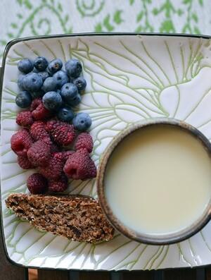 Ромашковый чай с соевым молоком и стевией