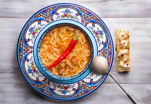 Унаш (туркменский суп из фасоли с лапшой)