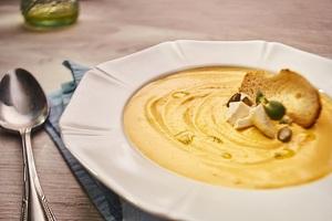 Тыквенный крем-суп с сыром фета