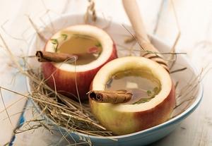 Горячий яблочный напиток