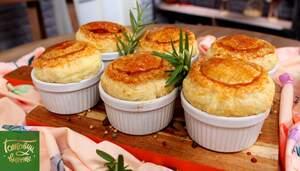 Pot pies с говядиной и карамелизированным луком