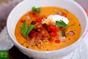 Острый чечевичный суп со свиной грудинкой