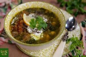 Зеленый суп из нута и чечевицы