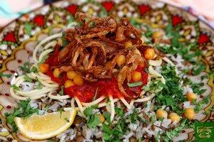 Кошари - рис с макаронами, чечевицой и томатным соусом