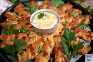 Гриссини с ветчиной и сыром