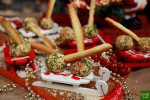 Сырные лолипопсы на палочках грисини