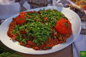 Баранина с овощами в соусе карри