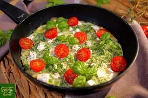 Фриттата с зеленым горошком и сыром фета