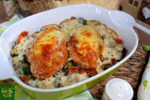 Фаршированное куриное филе запеченное с овощами