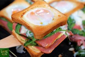 Сэндвич со шпинатом, сыром и яйцом