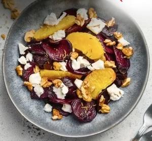 Салат со свеклой, апельсином и фетой