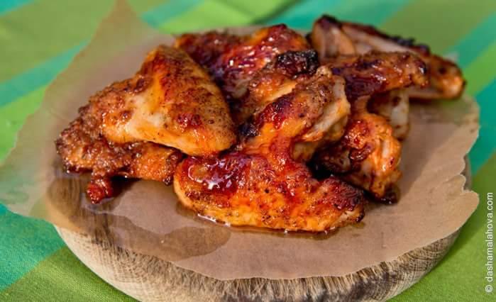 Томатно-пряные куриные крылышки