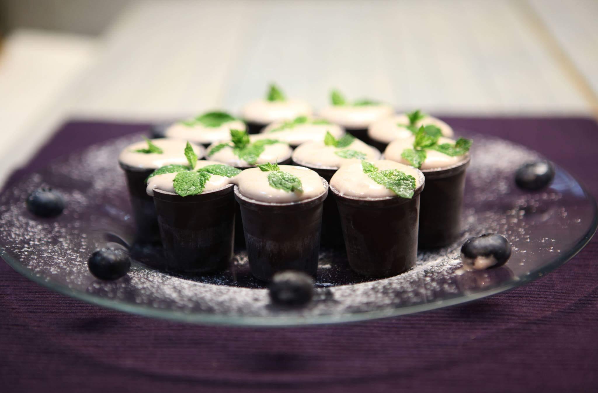 Сабайон в шоколадных стаканчиках