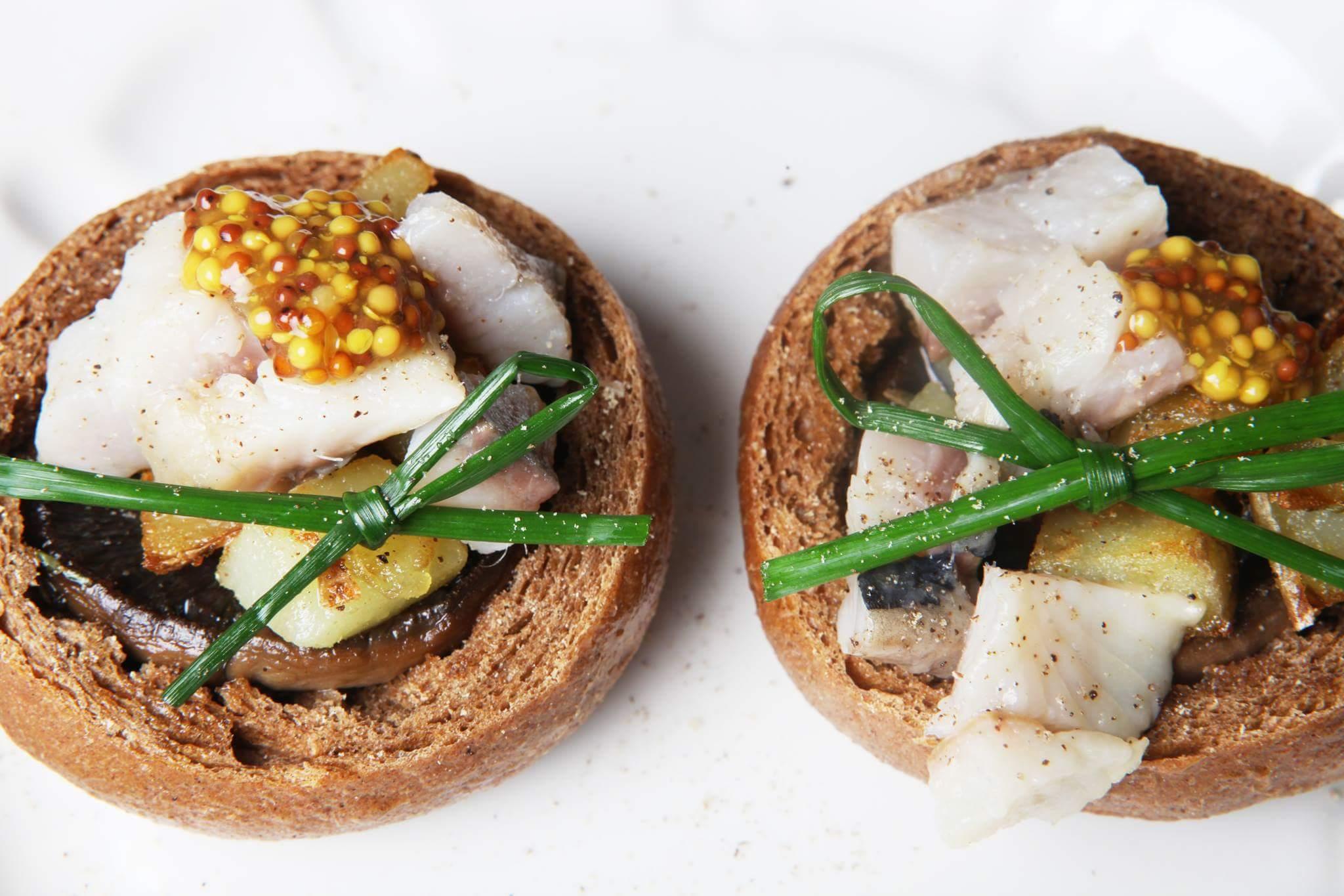 Закуска из сельди, картофеля и грибов