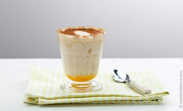 Йогуртово-банановый смузи