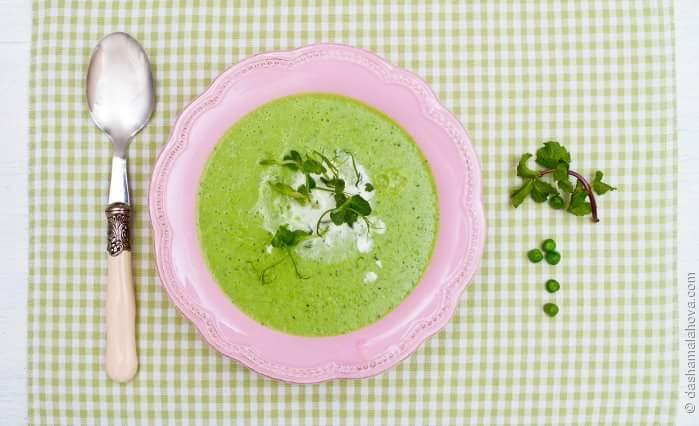 Крем-суп из зеленого горошка с мини-грином