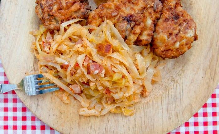 Рецепт Южноамериканская жареная курица с копченым капустным гарниром