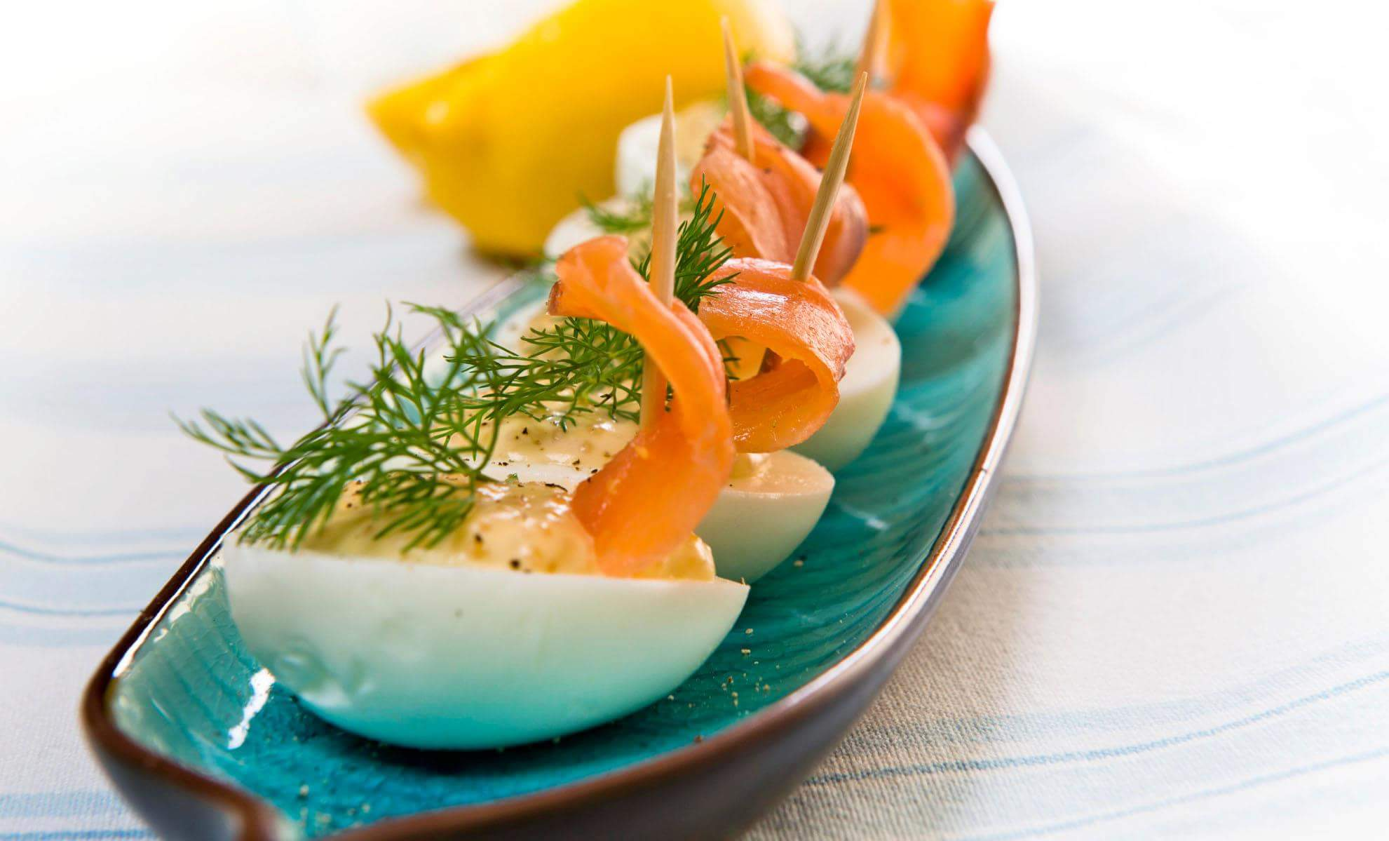 Рецепт Фаршированные яйца с семгой