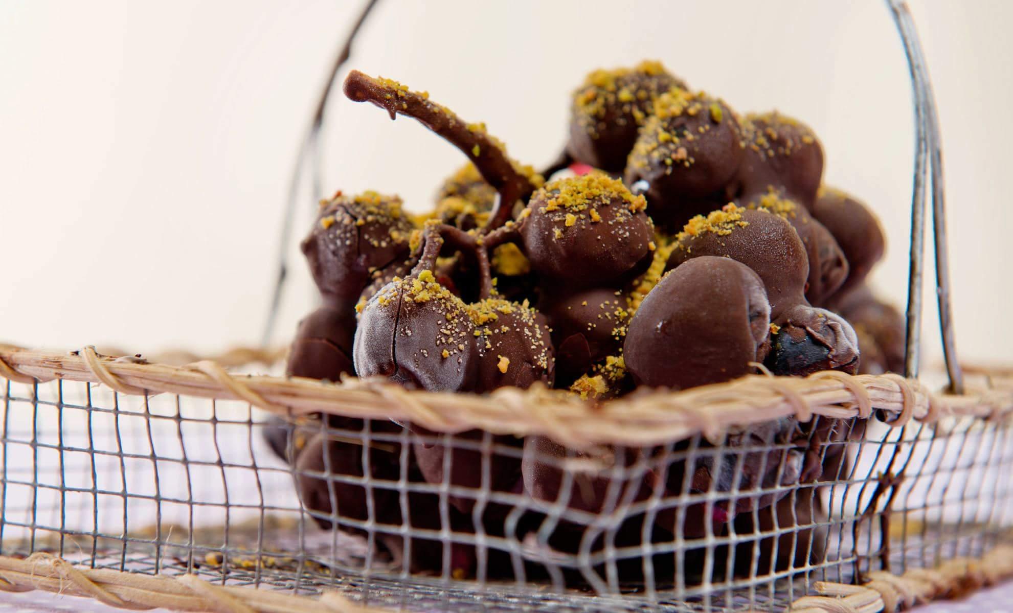 Замороженный шоколадный виноград по рецепту Джейми Оливера