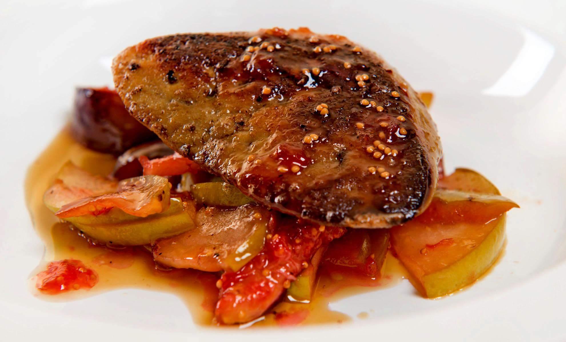 Фуа-гра с карамелизированным инжиром