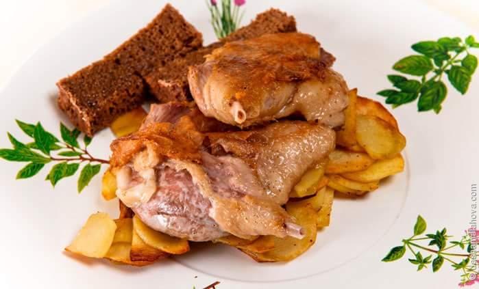 Утиные ножки-конфи с жареным картофелем