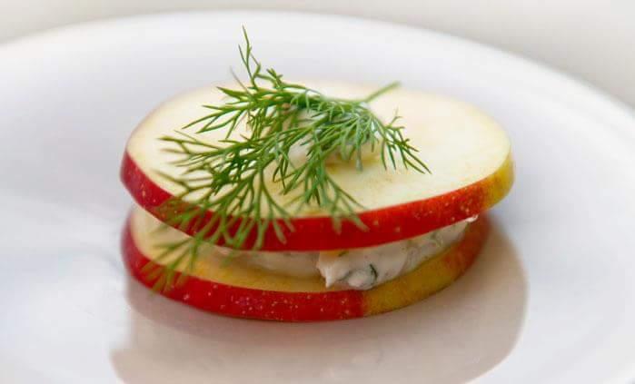Рецепт Сэндвич с яблоком и сельдью