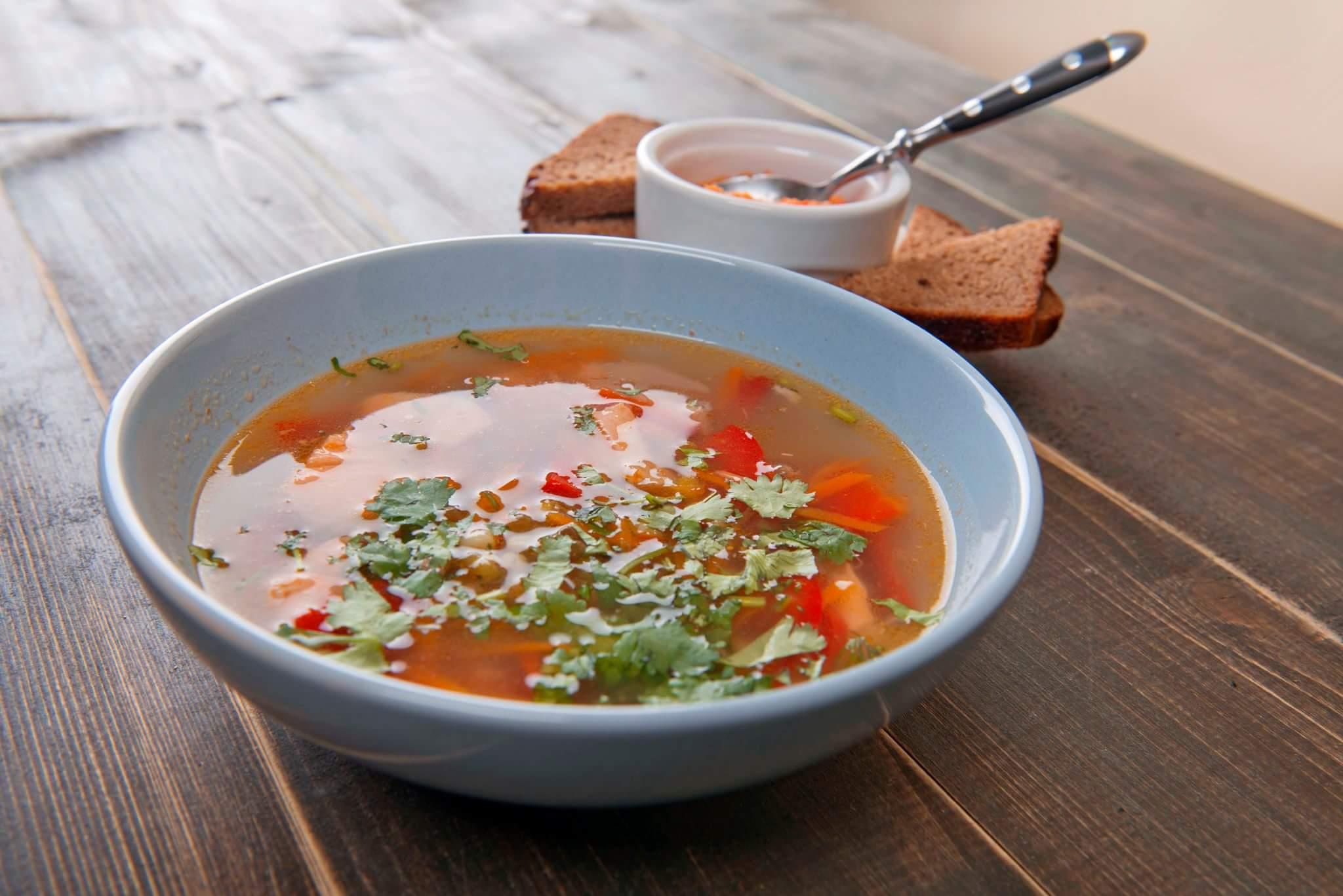 Восточный суп с имбирем и семгой
