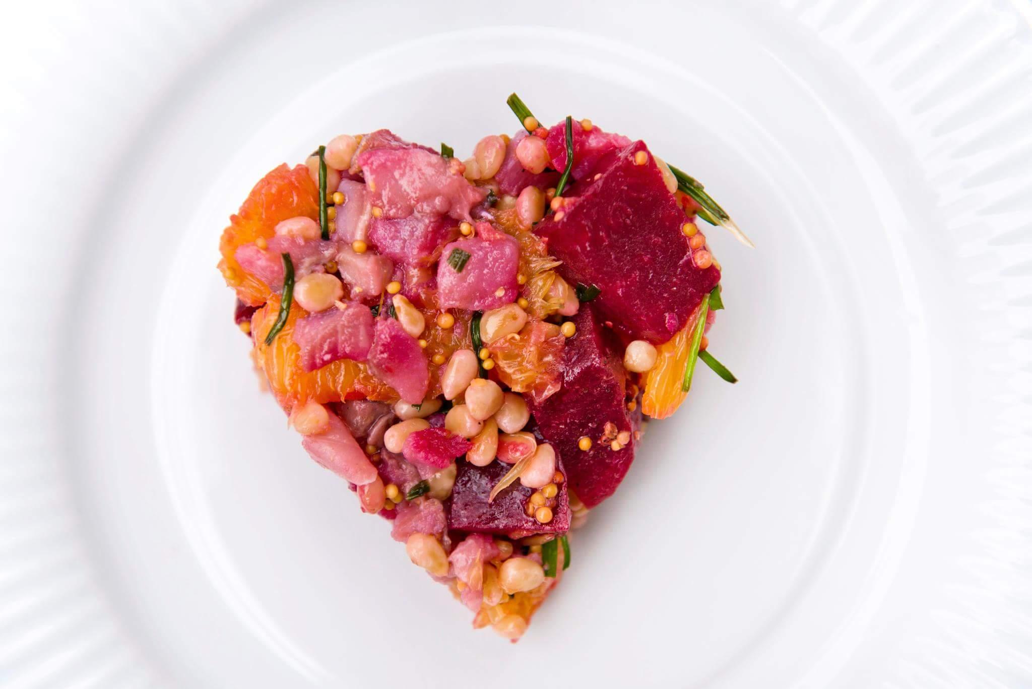 Рецепт Салат из сельди с апельсином и кедровыми орешками