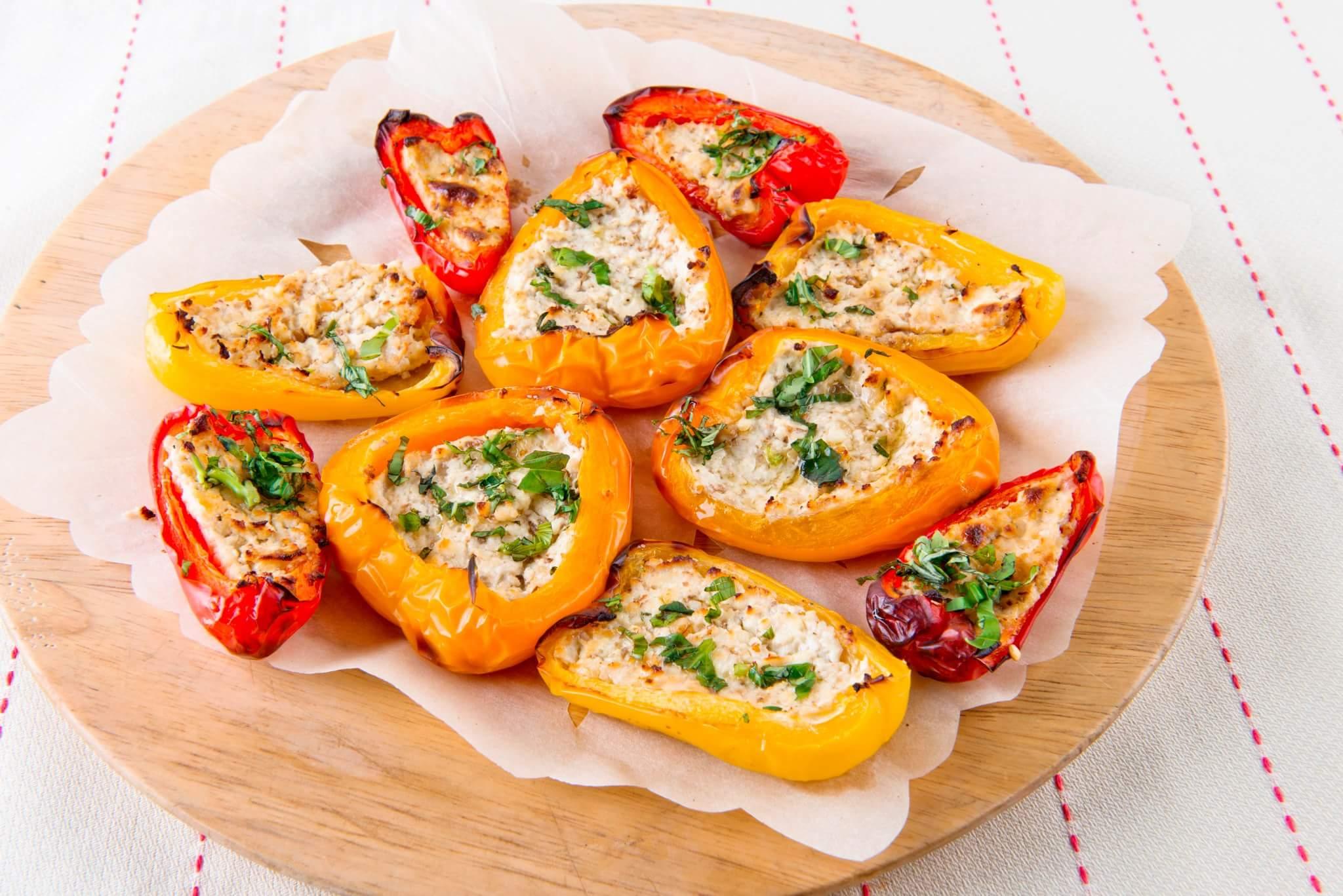Рецепт Запеченный перец с творогом и орехами