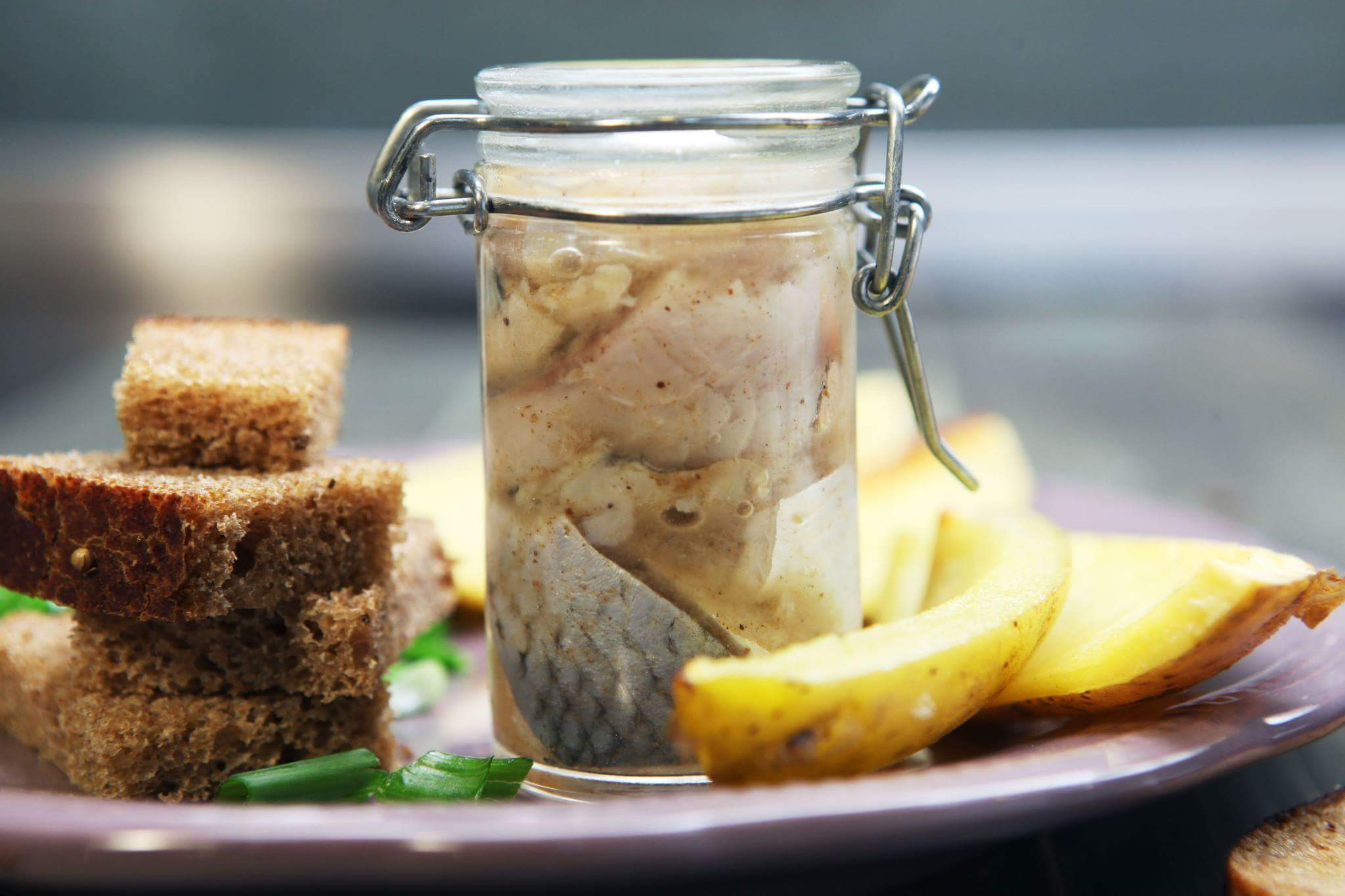 Картофель с маринованной сельдью